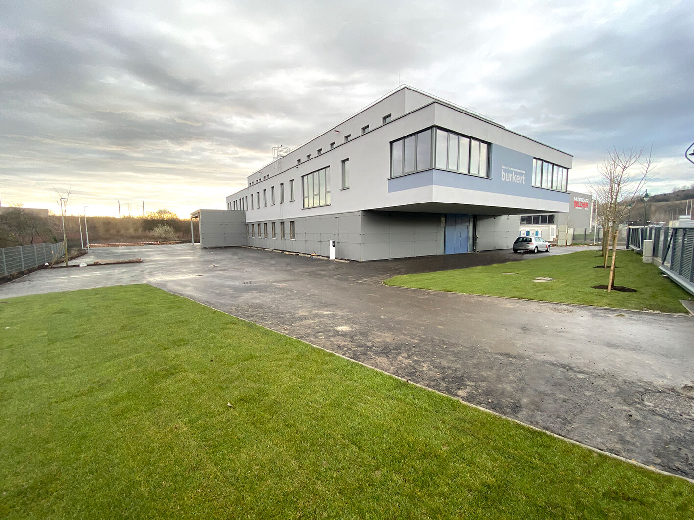 Vonkajší pohľad na Bürkert v Mödlingu